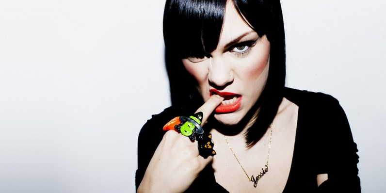 Jessie J's Price Tag sells over a million copies