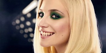 Pixie Lott get set to go Top 10 with Kiss The Stars