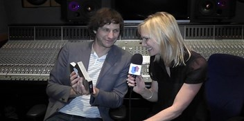 Gotye knocks David Guetta off Number 1 on the Official Singles Chart