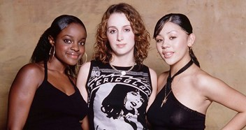 Official Chart Flashback 2000: Sugababes – Overload