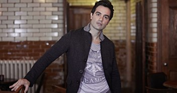 West End star Ramin gets set to make his Official chart debut