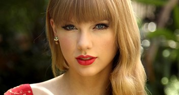 Taylor Swift to score first UK Number 1 album