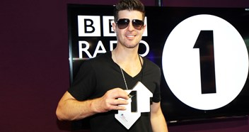 Robin Thicke's Blurred Lines set for second week at chart summit