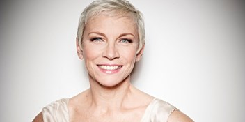 Annie Lennox to receive top music industry award