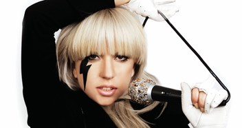 Official Charts Flashback 2009: Lady Gaga – Just Dance