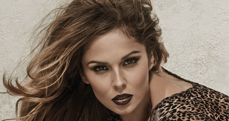 Cheryl Scores Record Breaking Fifth Number 1 Single With I Dont Care