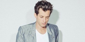 Mark Ronson's Uptown Funk scores fourth week at singles Number 1