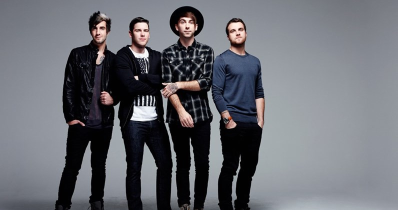 """All Time Low's Alex Gaskarth talks cracking the UK: """"We're here to stay!"""""""