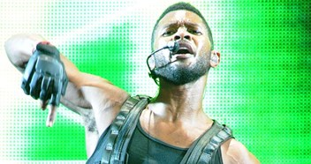 Number 1 today in 2010: OMG! Usher scores a fourth chart-topper