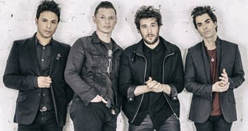 Stereophonics announce new album Keep The Village Alive – see tracklisting
