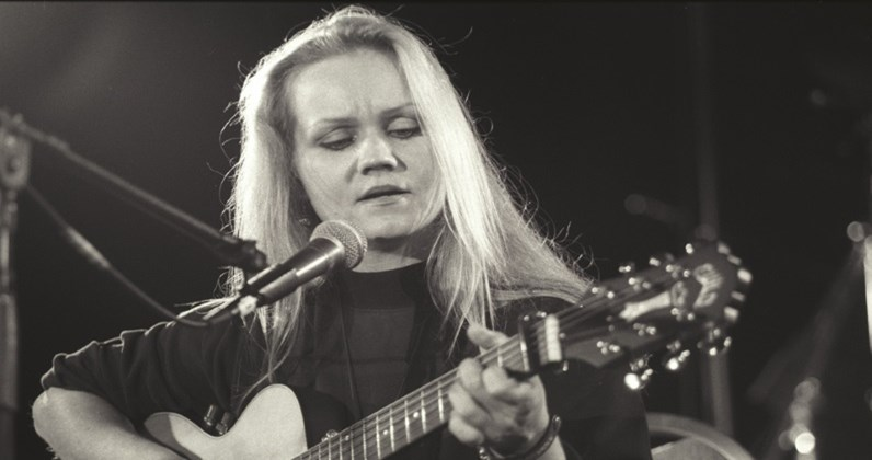Eva Cassidy hit songs and albums