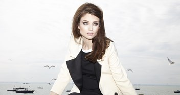 Sophie Ellis-Bextor will re-work her greatest hits with an orchestra for her new album