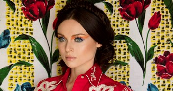 "Sophie Ellis-Bextor talks finding her ""creative sweet spot"" on new album Familia"