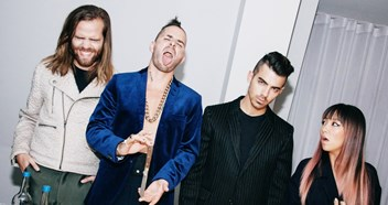 Best music pictures of the week: DNCE, Rihanna, Robbie Williams, more