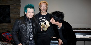 "Green Day hit Number 1 with Revolution Radio: ""To have a chart-topping album at this stage of our career is especially gratifying"""