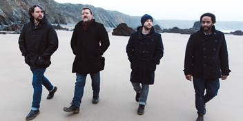 Elbow take giant lead in the race for this week's Number 1 album with Giants of All Sizes