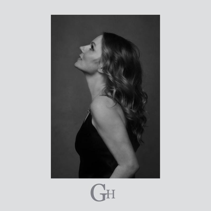 """Geri Halliwell >> álbum """"Man on the Mountain"""" Geri-halliwell-angels-in-chains"""