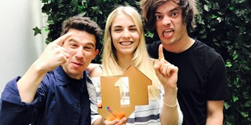 "London Grammar scoop first Number 1 album: ""This really isn't something we ever expected to achieve"""