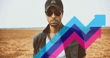 Enrique Iglesias scores the Official Trending Chart Number 1 for a second straight week