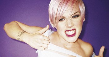 Official Charts Flashback 2002: Pink - Just Like A Pill
