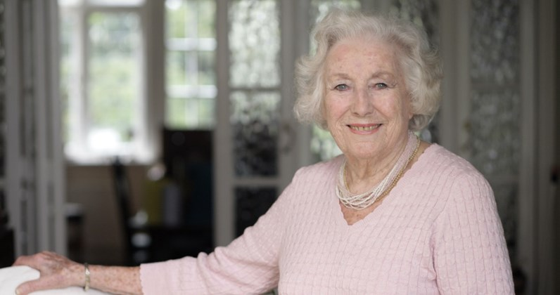 Vera Lynn complete UK singles and albums chart history