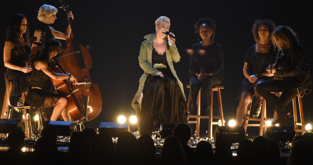 Watch P!nk and Niall Horan's performances at the Country Music Awards 2017
