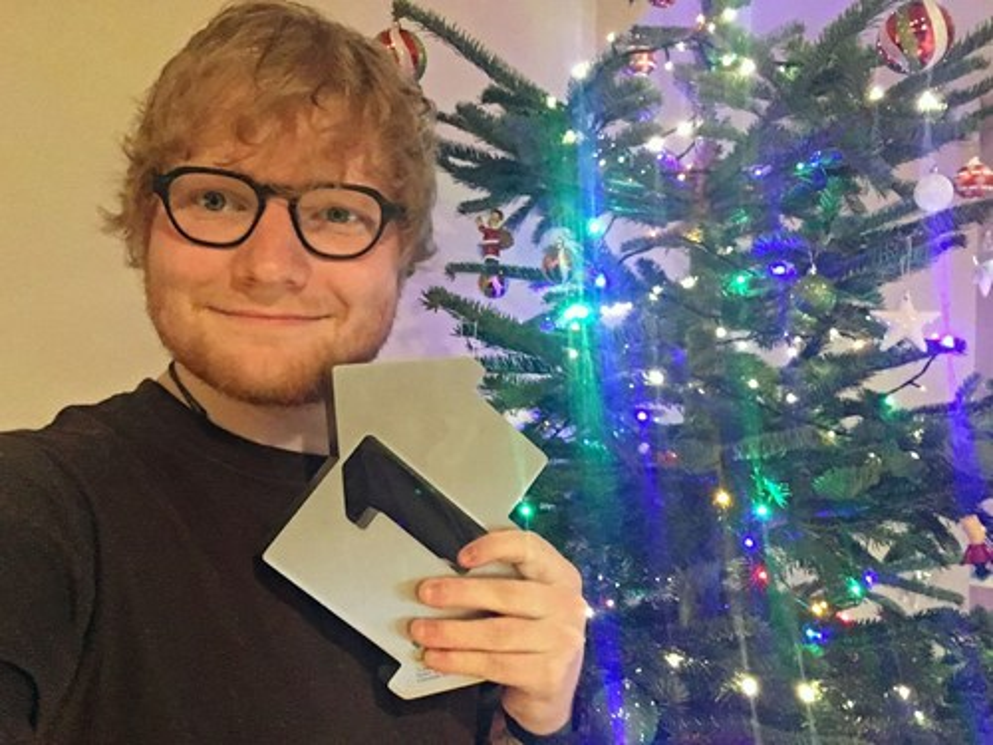 ed-sheeran-official-charts-christmas-num