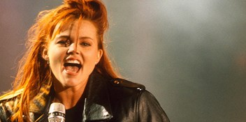 Official Charts Flashback 1988: Belinda Carlisle - Heaven Is A Place On Earth