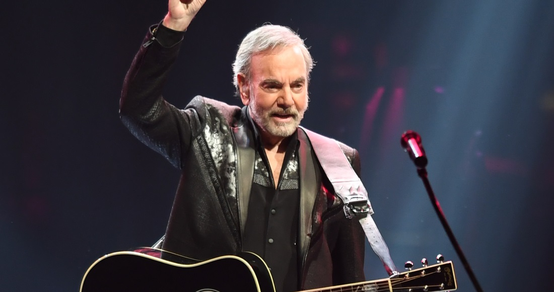 Neil Diamond Retires From Touring Due to Parkinson's Disease