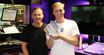 """I never thought that this would happen"": George Ezra rides Shotgun to his first UK Number 1 single"