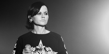 "The Cranberries open up about the last days of singer Dolores O'Riordan: ""She was on a roll"""