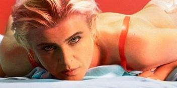 Robyn's Top 10 hits on the Official Chart