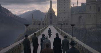 Fantastic Beasts: The Crimes of Grindelwald claims a second magical week at Number 1