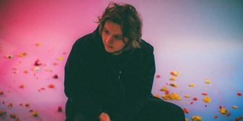 Lewis Capaldi takes out a fifth week at Number 1 on the Official Irish Singles Chart with Before You Go