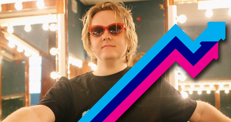 Lewis Capaldi storms to Number 1 on the Official Trending Chart with Hold Me While You Wait