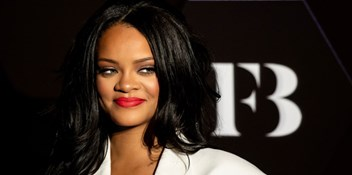 "Rihanna shares an update on her upcoming ""reggae-infused"" album: ""Reggae always feels right to me. It's in my blood."""