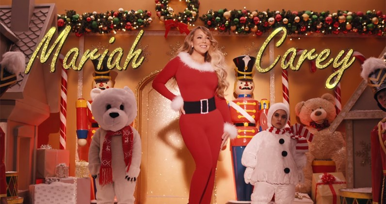 Картинки по запросу mariah carey all i want for christmas is you video