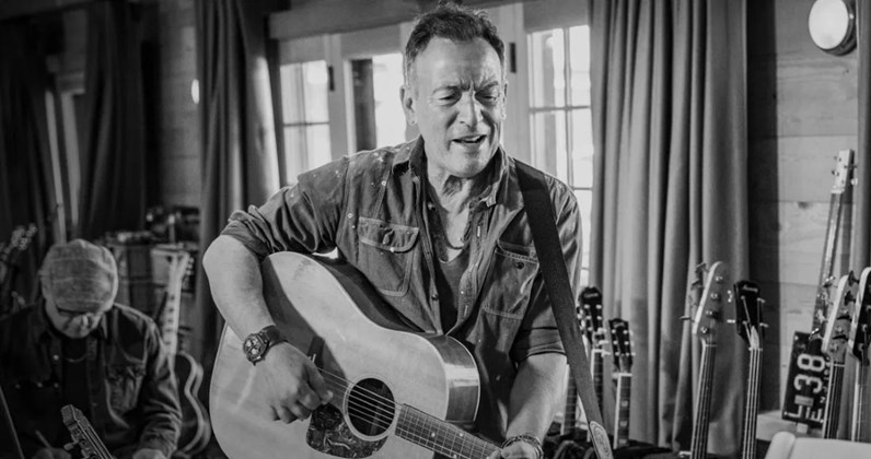 Bruce Springsteen claims Ireland's fastest-seller of 2020 & 9th Number 1